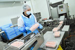 Estudian nuevos plásticos biodegradables para envasar alimentos